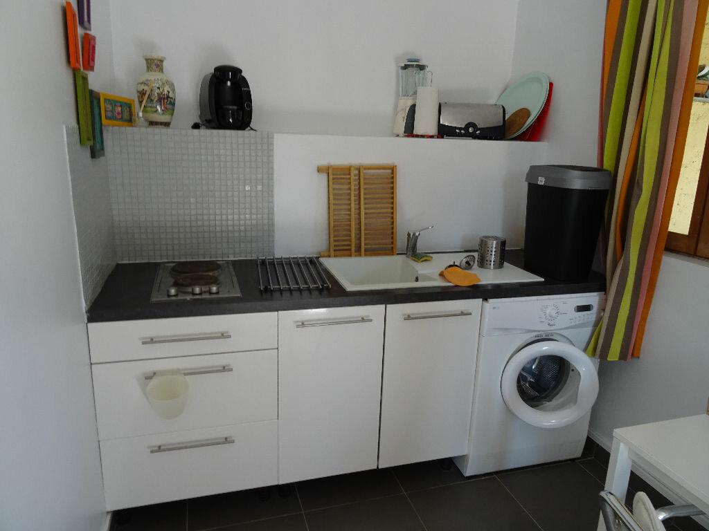 Appartement à louer 1 21m2 à Toulon vignette-2