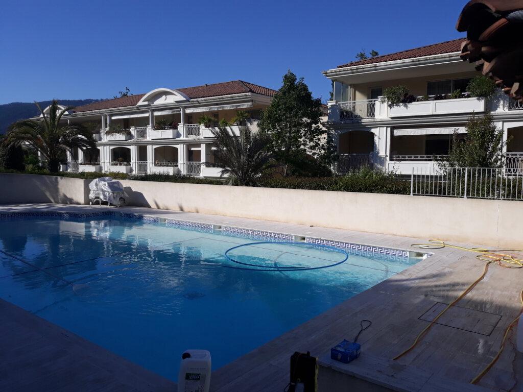 Appartement à louer 1 27.33m2 à Toulon vignette-1