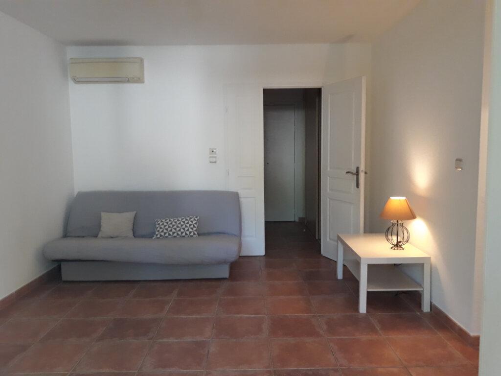 Appartement à louer 1 27.33m2 à Toulon vignette-4