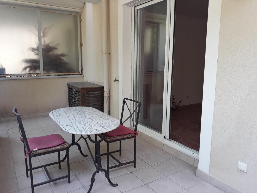 Appartement à louer 1 27.33m2 à Toulon vignette-9