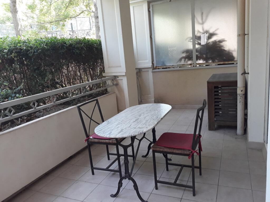 Appartement à louer 1 27.33m2 à Toulon vignette-10