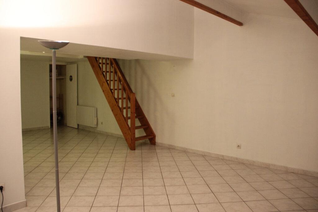 Appartement à vendre 2 60m2 à Toulon vignette-4
