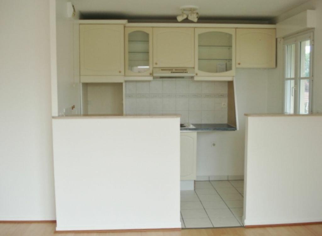 Appartement à louer 3 54m2 à Roissy-en-France vignette-2
