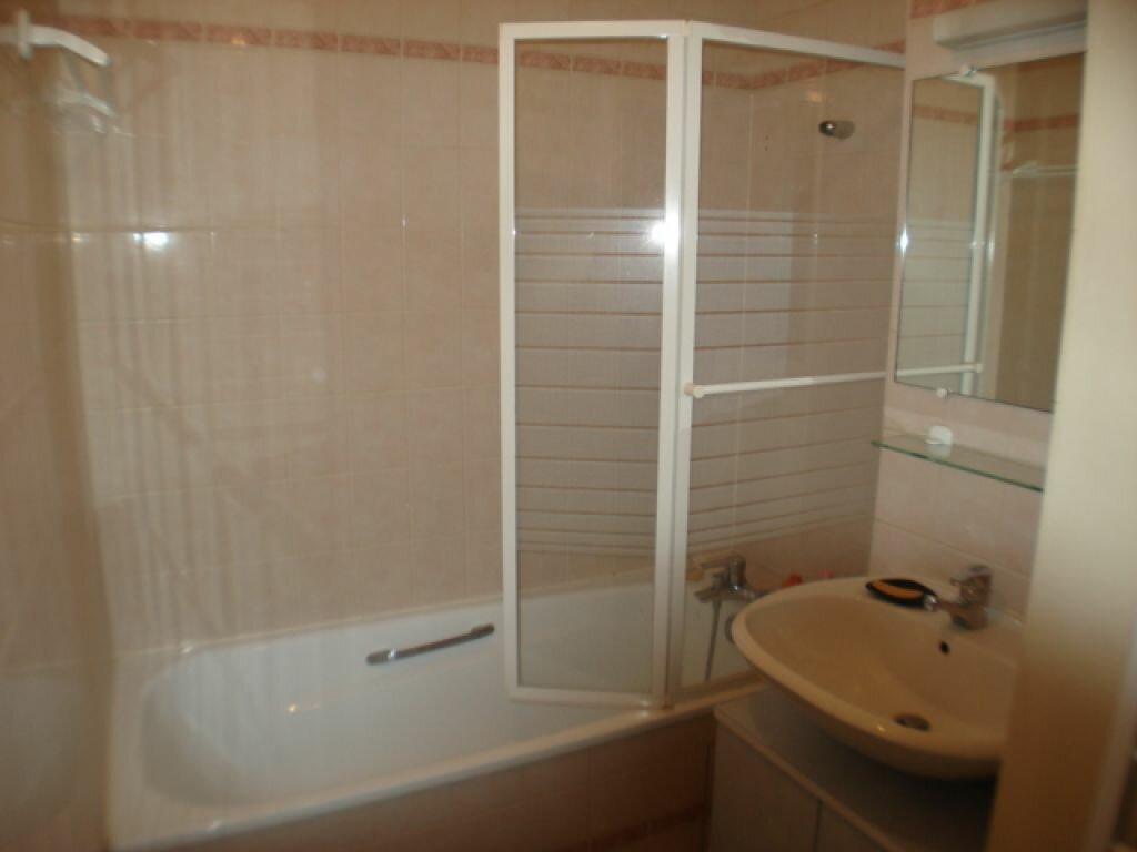 Appartement à louer 3 54m2 à Roissy-en-France vignette-3