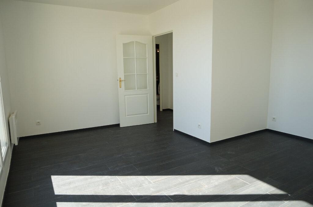 Appartement à louer 2 41.23m2 à Goussainville vignette-1