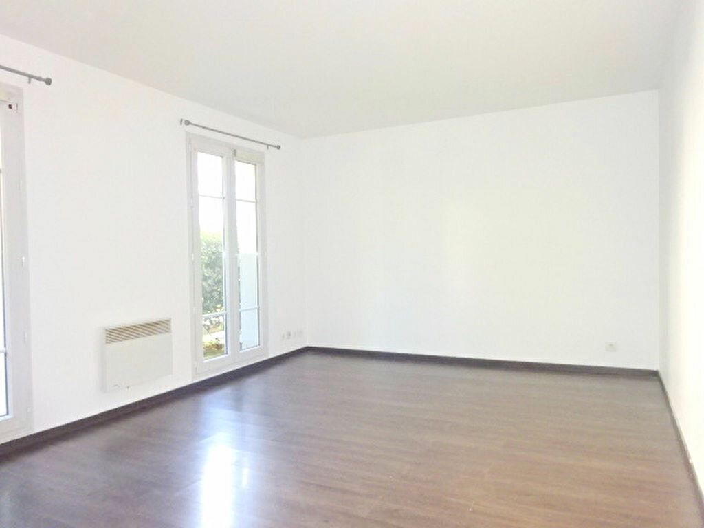 Appartement à louer 1 24.25m2 à Roissy-en-France vignette-1