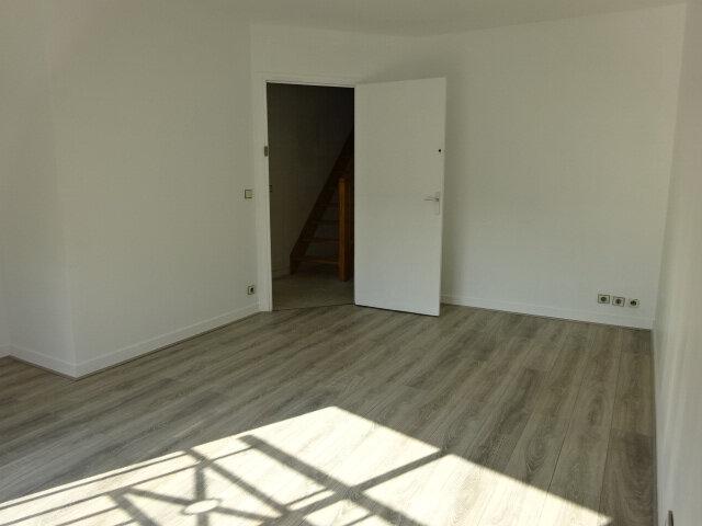 Appartement à louer 3 54.22m2 à Goussainville vignette-2