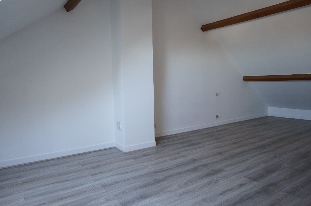 Appartement à louer 3 54.22m2 à Goussainville vignette-3