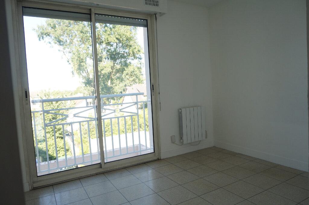 Appartement à louer 3 54.22m2 à Goussainville vignette-4