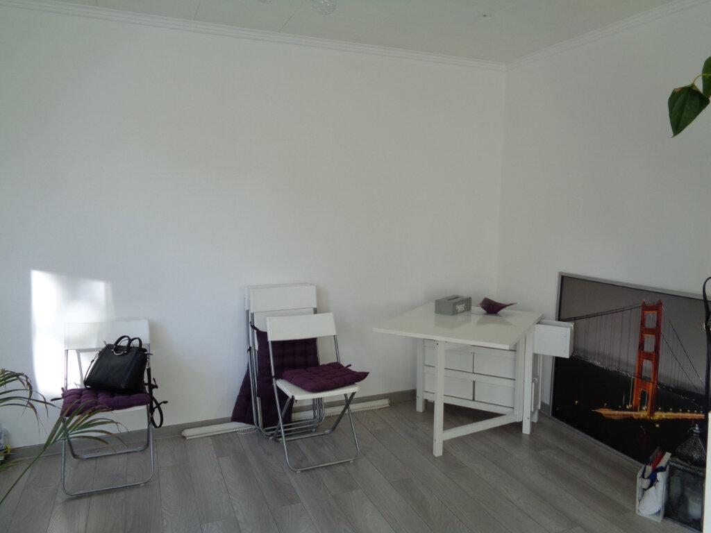 Appartement à louer 4 80m2 à Survilliers vignette-5