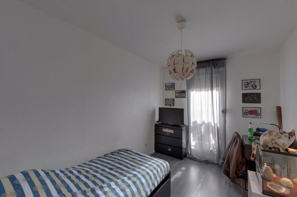 Appartement à vendre 4 75.68m2 à Goussainville vignette-3