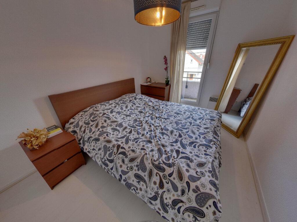 Appartement à vendre 4 75.68m2 à Goussainville vignette-4