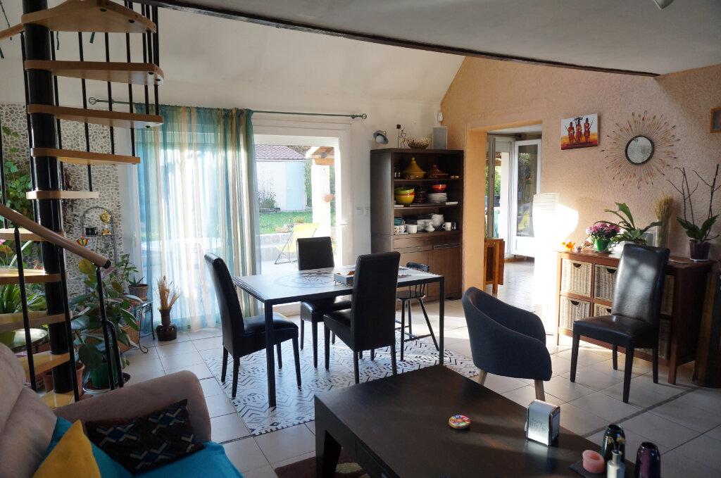 Maison à vendre 7 135m2 à Le Thillay vignette-3