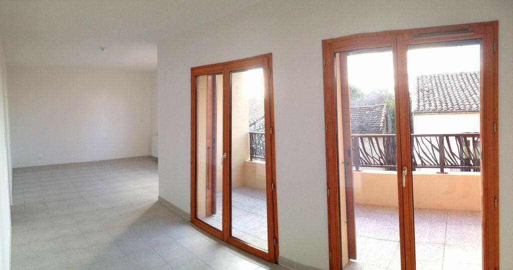 Appartement à louer 3 72.99m2 à Castelnau-le-Lez vignette-2