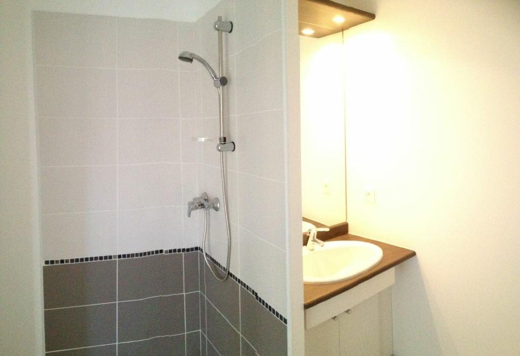 Appartement à louer 3 72.99m2 à Castelnau-le-Lez vignette-7
