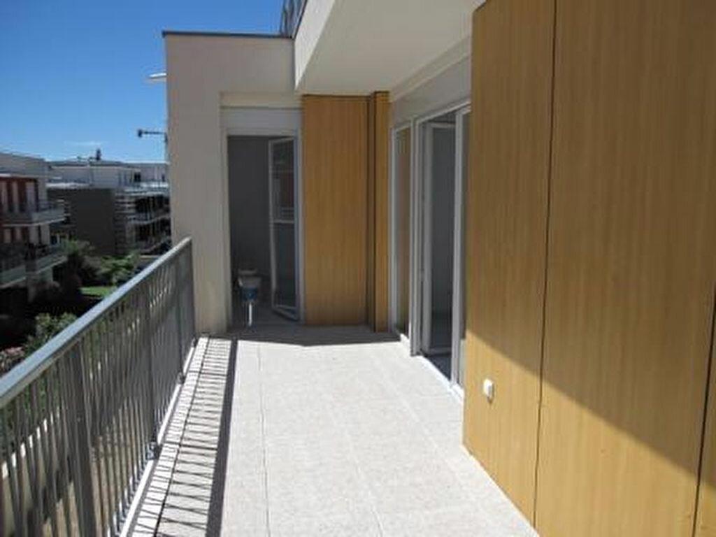 Appartement à louer 2 43.28m2 à Castelnau-le-Lez vignette-2
