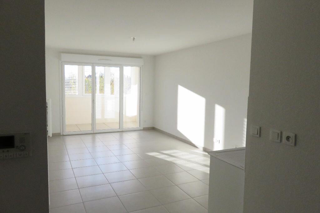 Appartement à louer 2 43.46m2 à Castelnau-le-Lez vignette-1