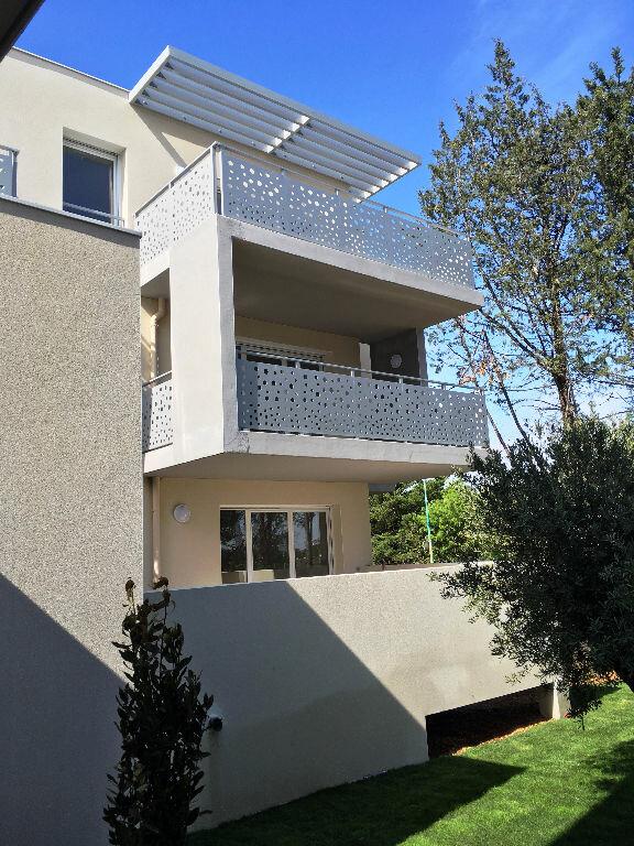 Appartement à louer 4 76.9m2 à Montpellier vignette-1