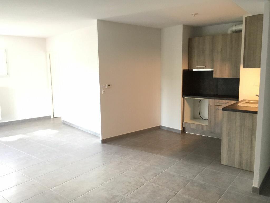 Appartement à louer 4 76.9m2 à Montpellier vignette-3