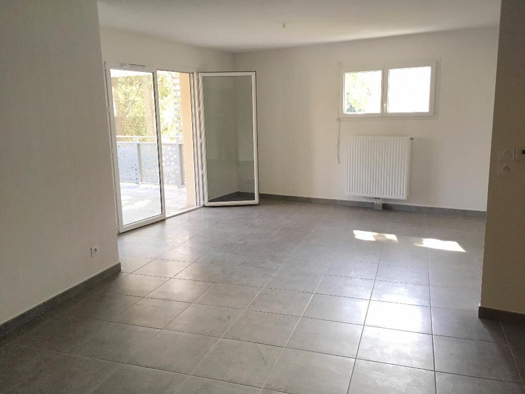Appartement à louer 4 76.9m2 à Montpellier vignette-4
