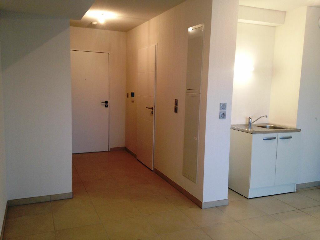 Appartement à louer 1 27.5m2 à Castelnau-le-Lez vignette-1