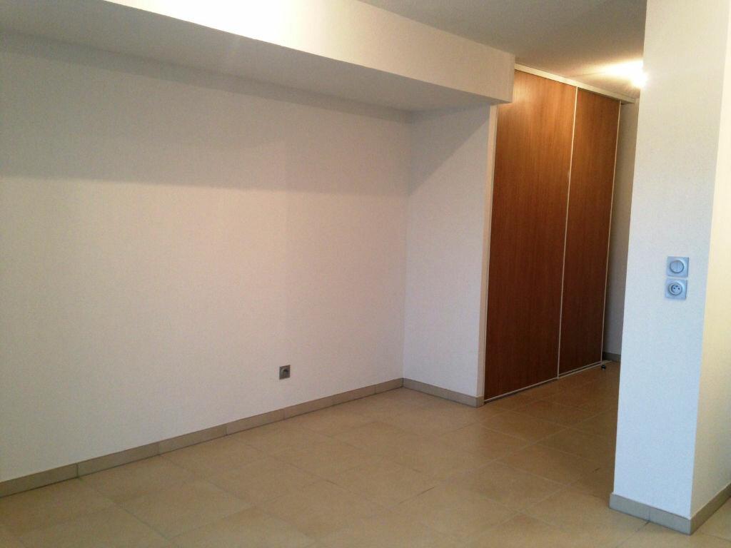 Appartement à louer 1 27.5m2 à Castelnau-le-Lez vignette-2