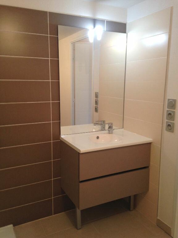 Appartement à louer 1 27.5m2 à Castelnau-le-Lez vignette-3
