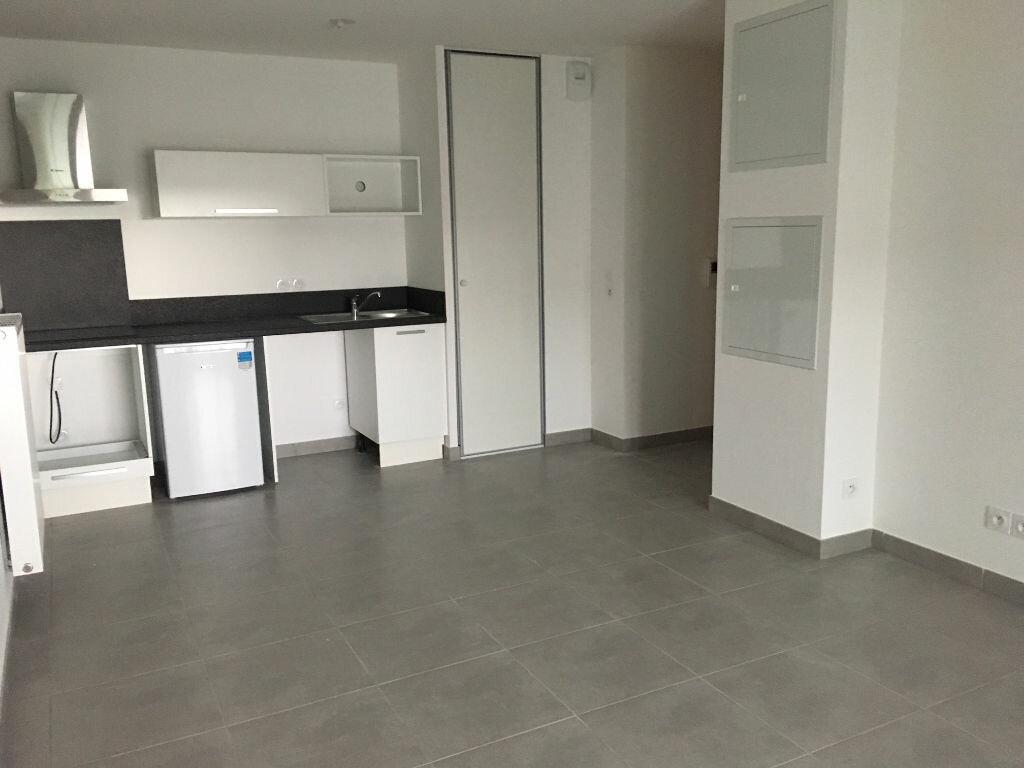 Appartement à louer 2 42.82m2 à Castelnau-le-Lez vignette-2