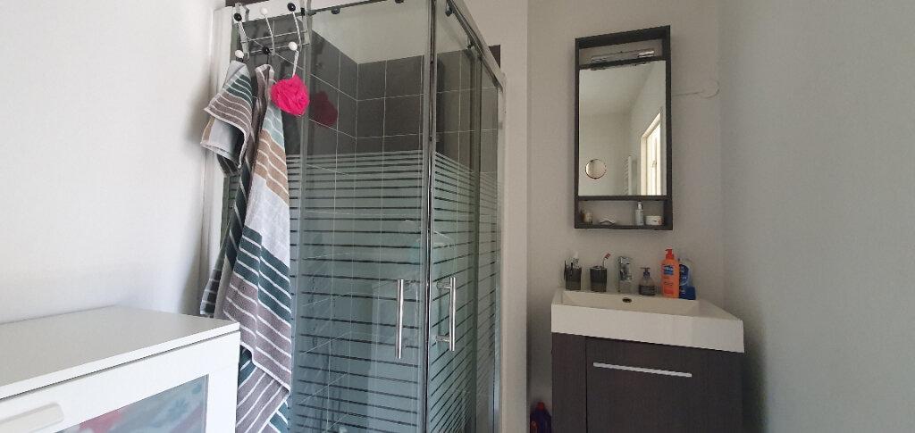 Appartement à vendre 1 22.5m2 à Castelnau-le-Lez vignette-3