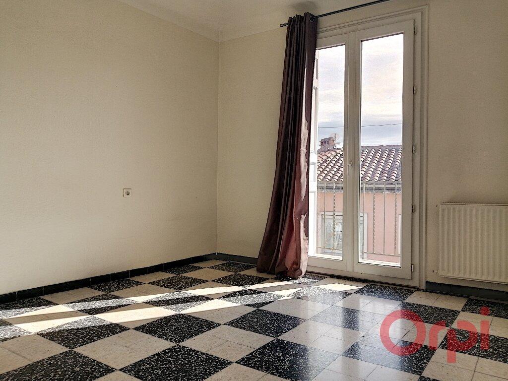 Appartement à louer 3 70.92m2 à Perpignan vignette-1