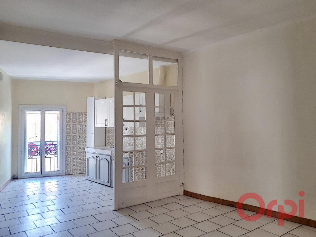 Appartement à louer 3 70.26m2 à Salses-le-Château vignette-1