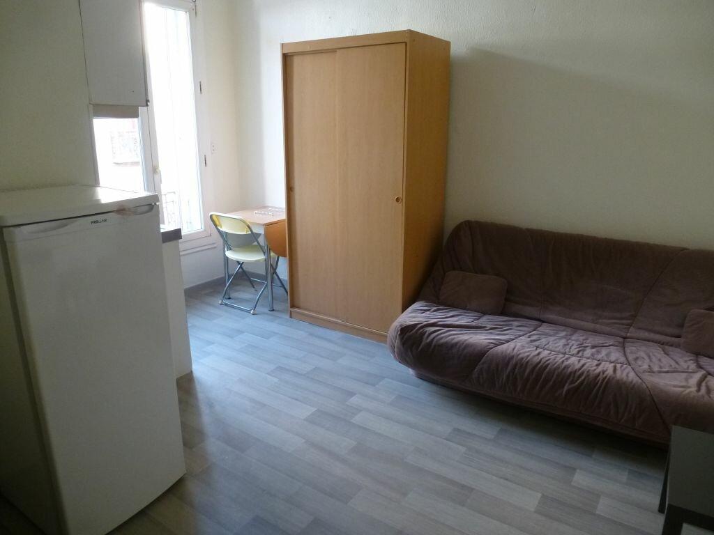 Appartement à louer 1 17.97m2 à Perpignan vignette-2
