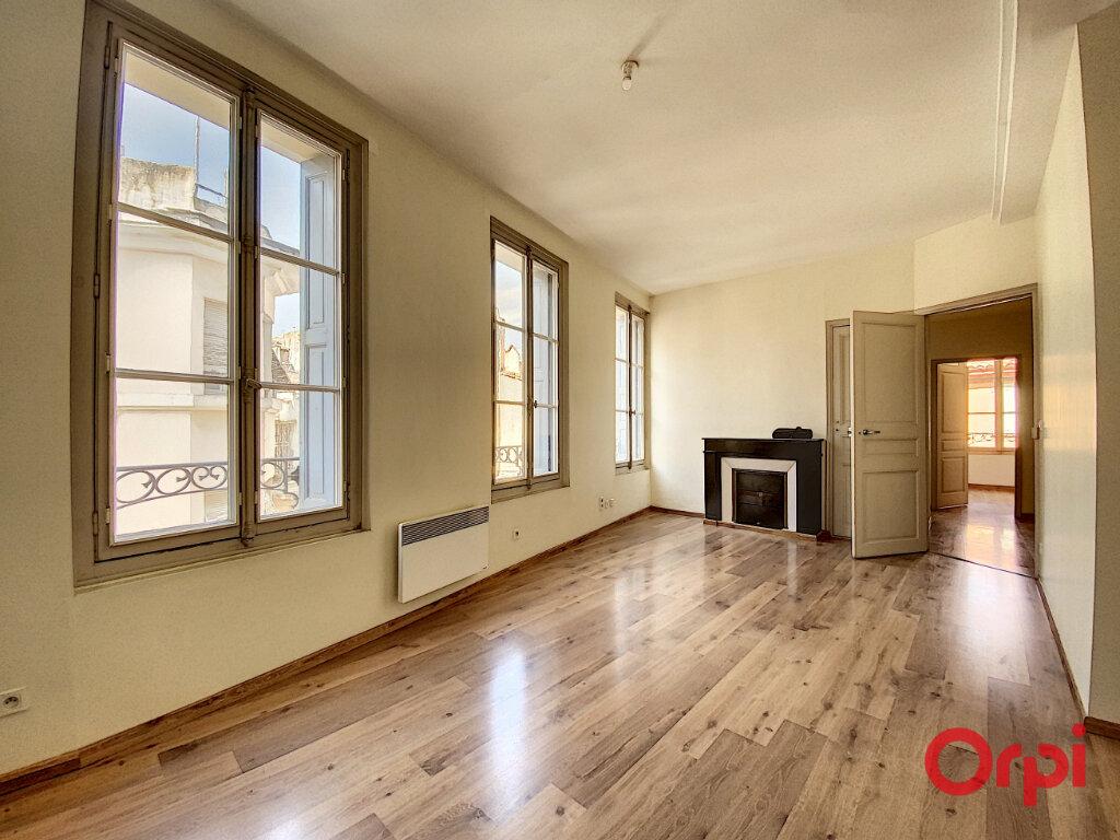 Appartement à louer 3 62.42m2 à Perpignan vignette-4