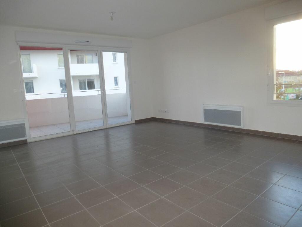 Appartement à louer 3 63.84m2 à Perpignan vignette-2