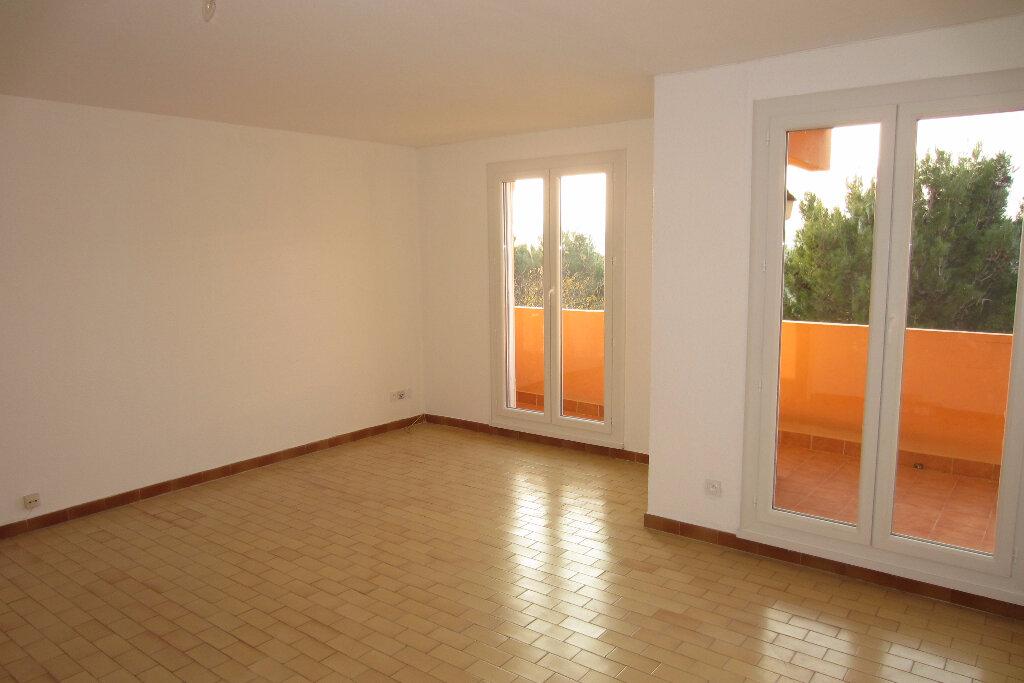 Appartement à louer 4 73.94m2 à Perpignan vignette-2