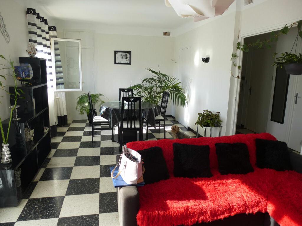 Appartement à louer 3 79.45m2 à Perpignan vignette-3
