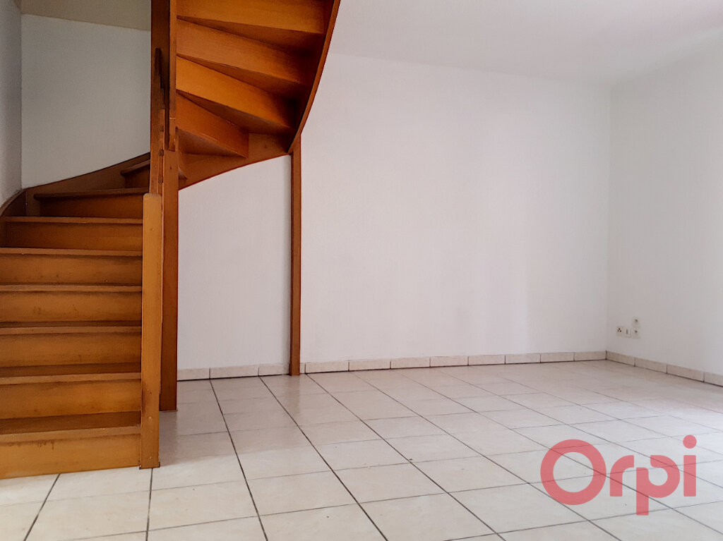 Maison à louer 3 68.2m2 à Perpignan vignette-3
