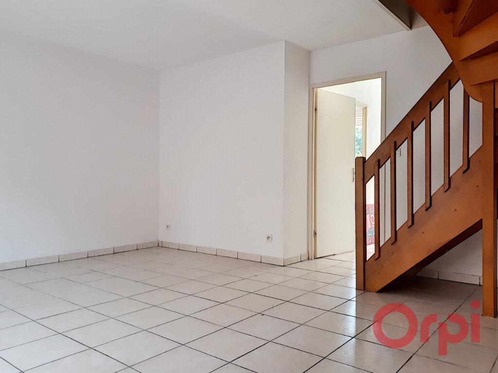 Maison à louer 3 68.2m2 à Perpignan vignette-4