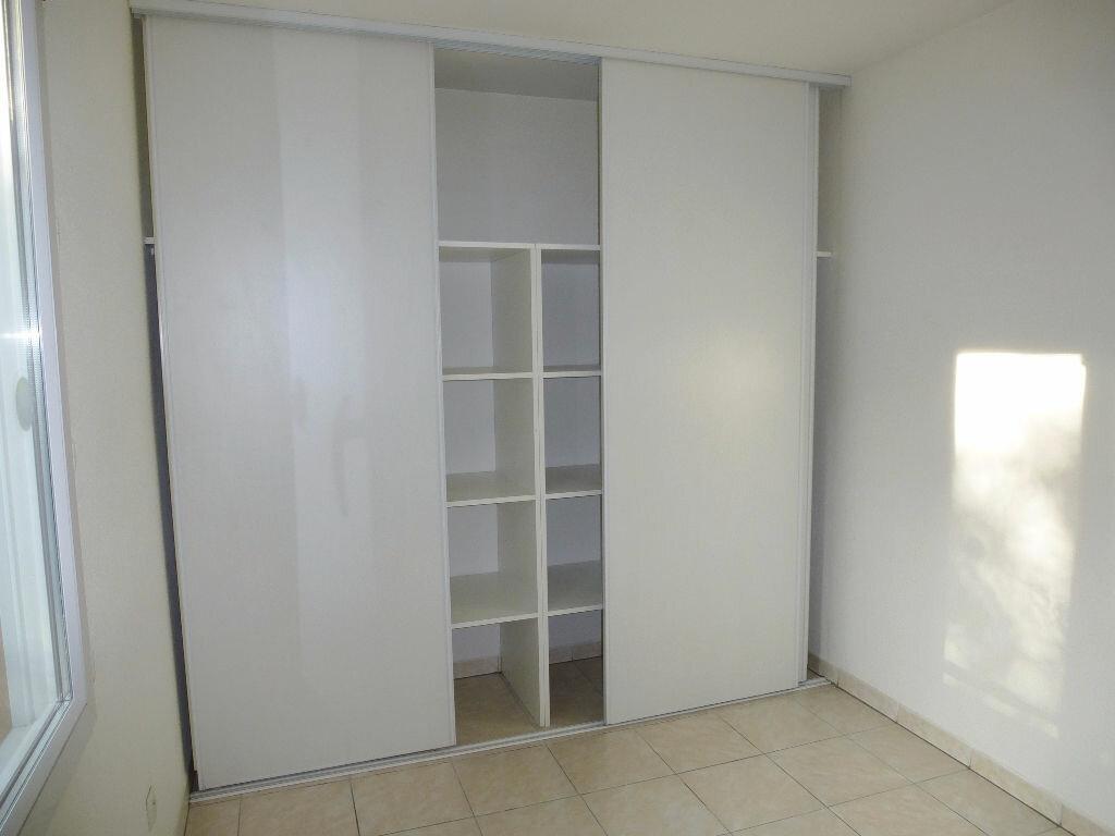 Maison à louer 3 68.2m2 à Perpignan vignette-5