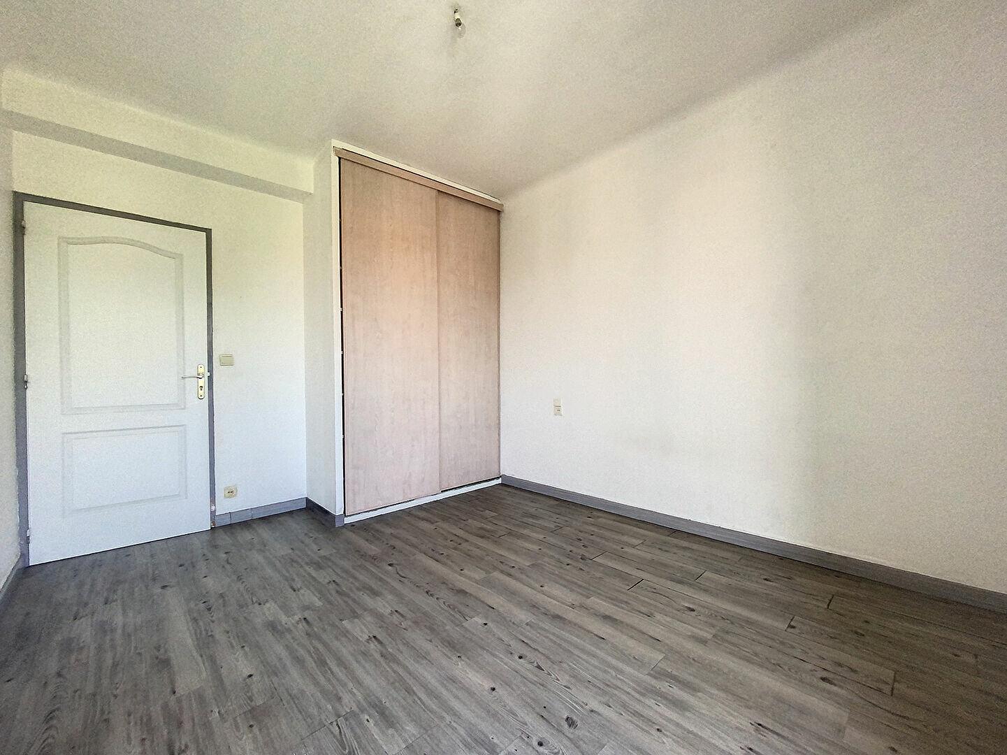 Appartement à louer 3 72.09m2 à Perpignan vignette-5