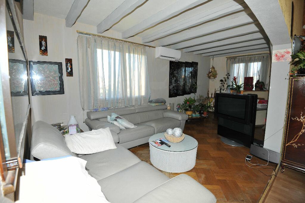 Maison à louer 8 171.92m2 à Saint-Jean-Lasseille vignette-4