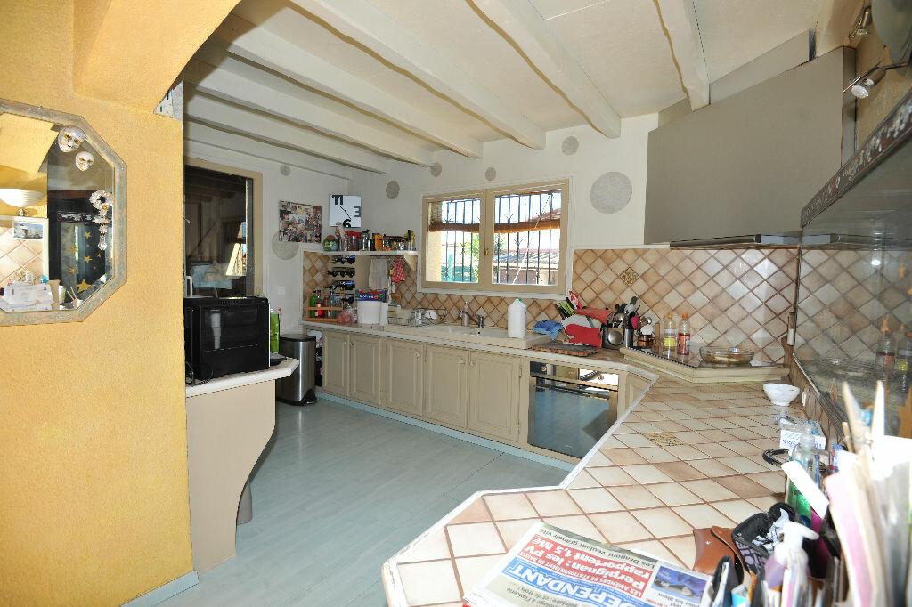 Maison à louer 8 171.92m2 à Saint-Jean-Lasseille vignette-5