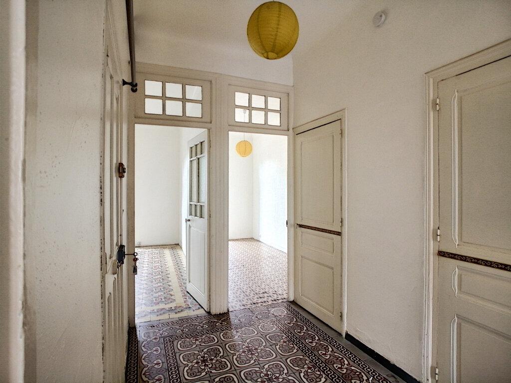 Appartement à louer 3 49.98m2 à Perpignan vignette-2