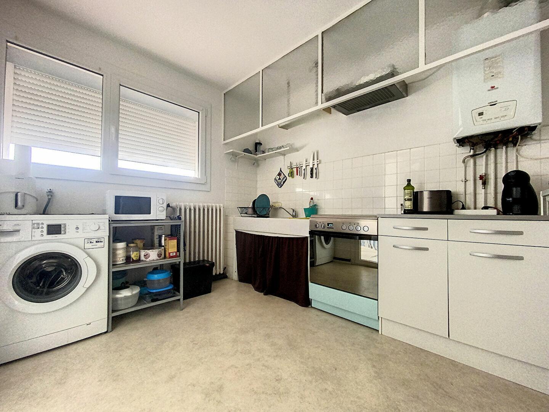 Appartement à louer 3 70m2 à Perpignan vignette-3