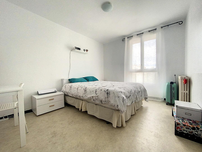 Appartement à louer 3 70m2 à Perpignan vignette-6