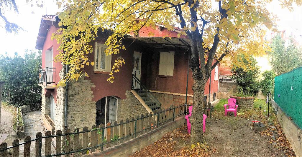 Maison à vendre 7 115m2 à Vernet-les-Bains vignette-1