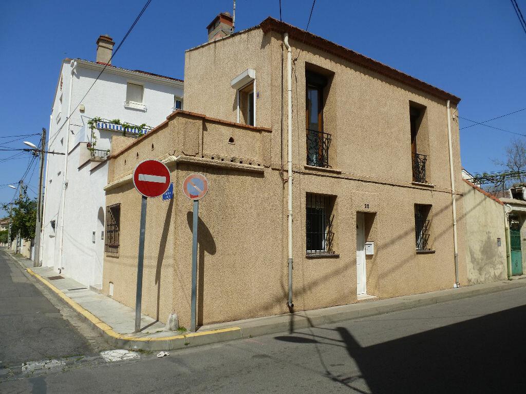 Maison à louer 3 59.99m2 à Perpignan vignette-1