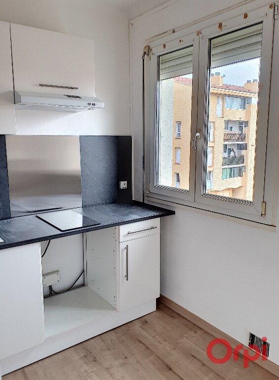Appartement à louer 1 27m2 à Perpignan vignette-2