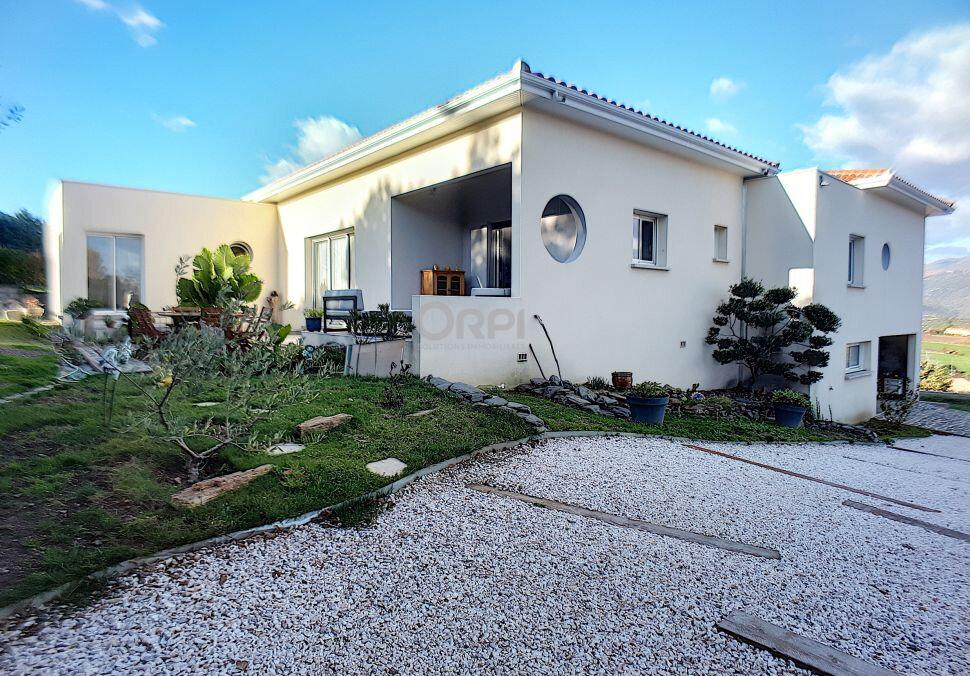 Maison à vendre 5 153m2 à Rigarda vignette-3