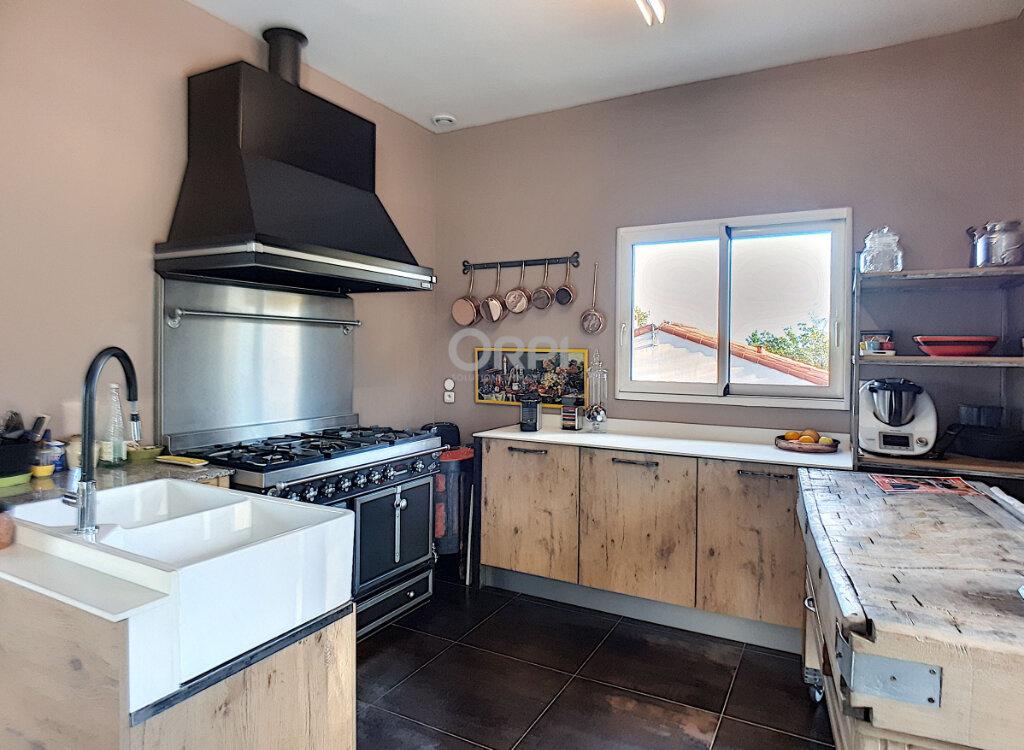 Maison à vendre 5 153m2 à Rigarda vignette-5